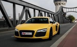 Vollfolierter Audi R8 in matt gelb.