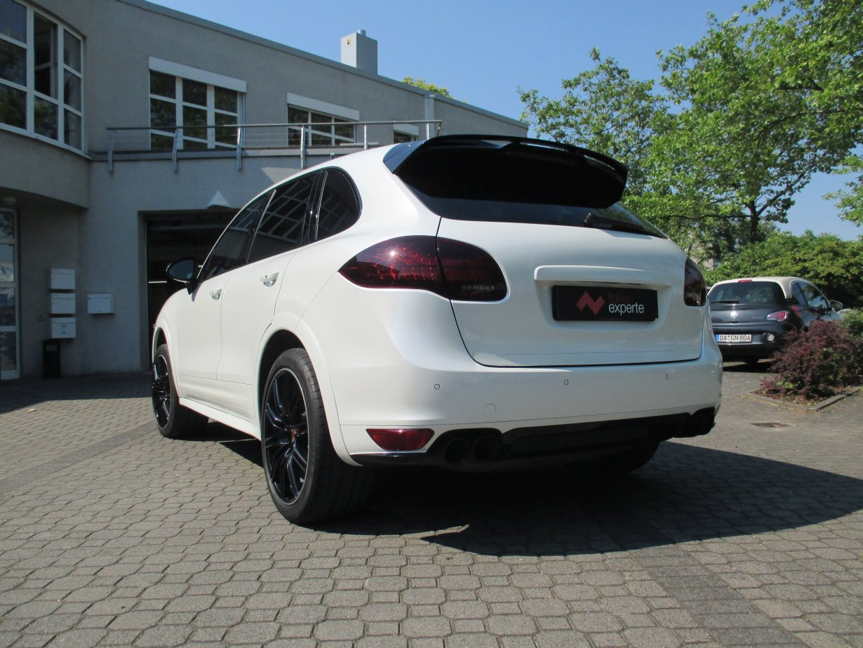 porsche cayenne rückruf with Porsche Cayenne Avery Swf White Pearl on Video Lancia Thema 3 0 V6 2884071 in addition Porsche Cayenne Avery Swf White Pearl as well Vw Massenrueckruf Wegen Hinterachse 5390926 moreover Rueckrufe Ende Touareg Cayenne Passat Ab In Werkstatt furthermore Empoerung Um Affen Versuche Kommt Jetzt Ein Neuer Untersuchungsausschuss.